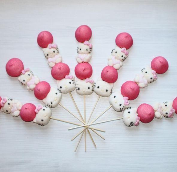 Brochette de bonbons Hello Kitty, 2.50€ l'unité sur www.caramelys-lyon.fr