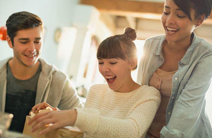 cadeau-decoration-idees-amis-sourire-bonheur